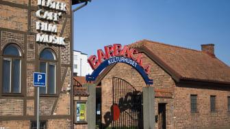 Kulturhuset Barbacka i Kristianstad. En av flera verksamheter som tillfälligt stänger.