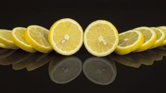 Att städa professionellt och hållbart, gör man inte med citron, bakpulver och ättika!
