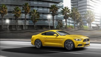 Nya Ford Mustang sprintar 0-100 km/h under 5 sekunder; 2,200 ordrar redan lagda
