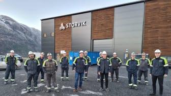 De ansatte i Storvik skal utvikle teknologi som skal sørge for at materialer som brukes i aluminiumsindustrien kan resirkulere etter bruk. Foto: Storvik AS
