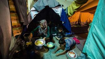 Bild från flyktinglägret i Oreokastro. Foto: Kristof Vadino