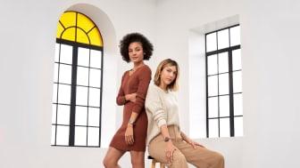 Die Garmin Lily vereint feminine Ästhetik mit den Anforderungen des aktiven Alltags moderner Frauen: Perfekte Technik für Arbeit, Sport und Freizeit und zugleich ein Accessoire, das jeden Look ergänzt.