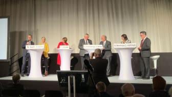 Dr. Gerald Gaß, Stefanie Stoff-Ahnis, Anja Heyde (Moderation), Karl-Josef Laumann, Dr. Michael A. Weber, Dr. Sabine Berninger, Dr. Josef Düllings (v.l.)