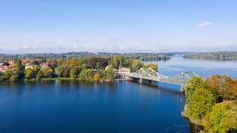Brandenburg: Das Land hinter der Glienicker Brücke. Foto: TMB-Fotoarchiv.
