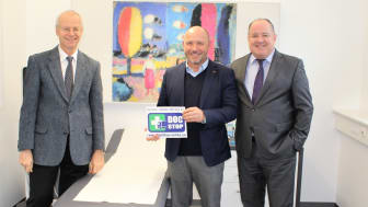 BPW works doctor Dr Gunnar Heymer (left) will now also treat truck drivers who fall ill on the road. The new DocStop location was opened by DocStop Chairman Joachim Fehrenkötter (centre) and Ralf Merkelbach from BPW.