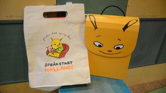 Nu ska barn som besöker BVC på Vårdcentralen Kungsbacka få ett språkpaket från biblioteken.