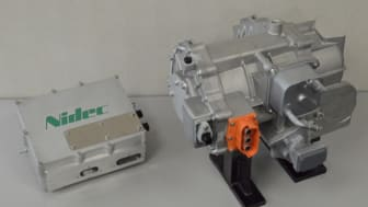 Inverter (left), Integrated traction motor and gear-box (right)