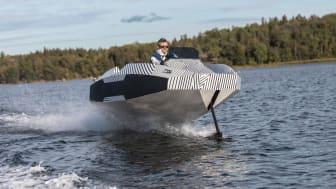 Framtidens kraftfulla elbåtar visas på Båtmässan