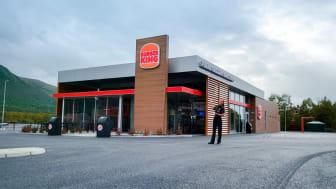 Restaurantsjef Lilly Caroline Åsell og et topp motivert team gleder seg til å åpne Burger King Oppdal
