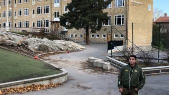 Frank på Blixtjobb besökte elever i årskurs 5 på Abrahamsbergsskolan för att berätta om sin tid i fängelse. Foto: Skyddsvärnet