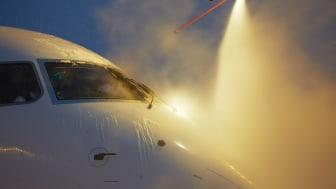 En stor kund till Vilokan är flygbranschen som använder stora mängder glykol då flygplan sprutas för avisning. Bolaget renar, återvinner och säljer glykolen igen och flygindustrin blir av med avgiften för avfallshantering och ökar hållbarheten i bola