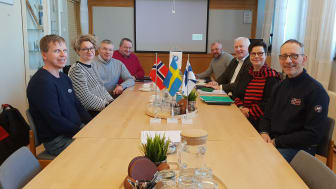 Från vänster med början närmast i bild: Jari Ylitapio, personalrepresentant, Nina Gustafsson-Åberg (SE), Staffan Landström (SE), Tero Hyttinen (FI) ordförande, Leif Lahti direktör, Peter Myklebust (NO), Anni Miettunen, (FI),  Arnold Eliseussen (NO)