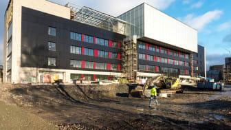 RASKERE MARKEDSUTVIKLING: Enova vil at flere skal gjøre som Brynseng skole og ta innovative løsninger i bruk. Brynseng  i Oslo er trolig Norges mest miljøvennlige skole (Foto: Enova).