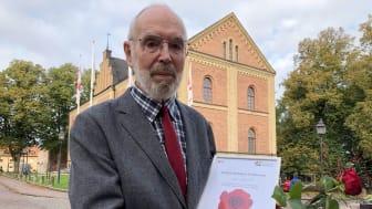 I år är det Ove Litorell som uppmärksammas med utmärkelsen Skara kulturveckas kulturros.