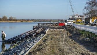 Neue Stege im Yachthafen Burgtiefe