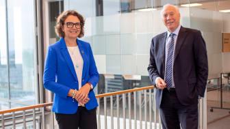 Tone Wille, konsernsjef i Posten Norge, og Kjell Rusti, administrerende direktør i Sopra Steria, er opptatt av å utvikle seg i takt med kundens behov.