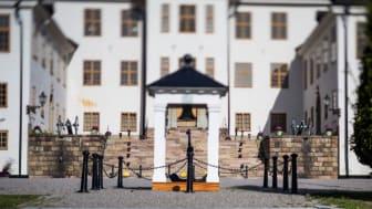 Karlbergsslott, Stockholm. Produkter i bild: Pollare och kätting i gjutjärn