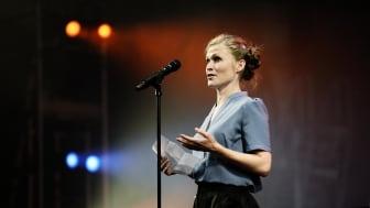 Årets Kvindelige Birolle 2016 går til Mette Døssing for sin rolle som den sammenbidte og jaloux køkkenpige Kristin i 'Frk. Julie' på Aarhus Teater.