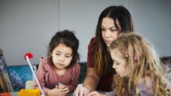 Ny forskningsrapport visar att ett digitalt läsverktyg blivit en etablerad del i undervisningen i förskolan. Foto: Förskoleförvaltningen.