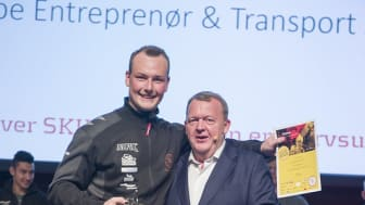 Danmarks bedste flisemurer 2019, Samuel Birk Axelsen sammen med Danmarks Statsminister Lars Lykke Rasmussen. Foto: SkillsDenmark/Per Daugaard.