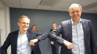 Norconsult melder seg inn i Skift: Konsernsef Egil Hogna (foran t.v.) og Bjørn Haugland. Janicke Garmann og Jens Ulltveit-Moe (bak). (Foto: Norconsult).