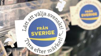 Butikspaketen innehåller bland annat en rund utstickare som skapar uppmärksamhet på hyllkanten. Finns även med märkena Kött från Sverige och Mjölk från Sverige.