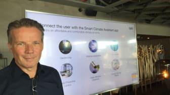 """Tado°:s vd Toon Bouten presenterade företagets nya produkt """"Smart AC Control V3+"""" vid en pressfrukost i Stockholms City. Bild: Thomas Andersson"""