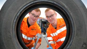 Go North East apprentices Matthew (left) and James Barnes
