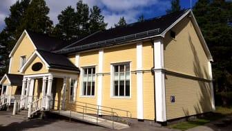 Storfors Folkets hus är ursprungligen från 1909. Omfattande ombyggnation gjordes1946 och en tidigare renovering1977. Huset och omfattar totalt 396 kvadratmeter. Foto: Halldo Lundgren