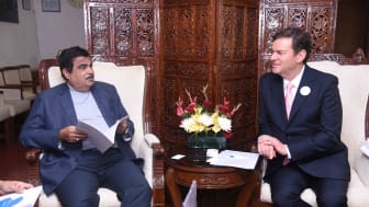 ndia's Minister for Transport and Highways Mr. Nitin Gadkari discusses clean air with Blueair founder and CEO Bengt Rittri