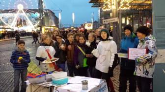 Überwältigender Erfolg beim Spendensammeln: Schüler der Rudolf-Hildebrand-Schule engagieren sich für Bärenherz