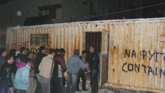 Grekland: Flyktingar och migranter jagas av polis och högerextremister