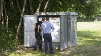 Ifølge Schneider Electric er  en intelligent transformation af det eksisterende el-net  absolut nødvendig, og med den nye Easergy T300 RTU til 10 kV-stationer får forsyningsselskaberne nye muligheder for  at automatisere deres stationer.