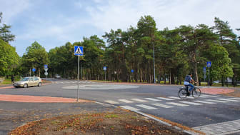 Tammisaaren koulukeskuksen uudet liikennejärjestelyt kannustavat turvalliseen kävelyyn ja pyöräilyyn
