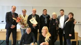 Hans Brauer, verksamhetschef för vuxenpsykiatrin i Malmö och Trelleborg tog tillsammans med sina medarbetare emot Stora likarättspriset 2019.