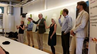Från vänster: Johanna Grant, Gröna Bilister, Rickard Nordin (C), Lars-Axel Nordell (Kd), Karin Svensson Smith (Mp), Jens Holm (V), Per Östborn, Gröna Bilister.