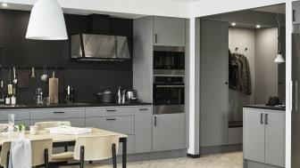 Noraluckan finns i trendigt grått eller stilrent vitt, med en livfull och omsorgsfull textur, som ger rummet en kontrastrik struktur.