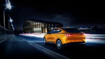 A Ford Mustang Mach-E GT Orange Fury színben is elérhető lesz