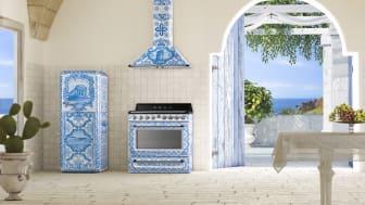 Nya kollektionen Divina Cucina från Smeg tillsammans med Dolce&Gabbana visar hur även hushållsapparatar kan vara sanna konstverk.