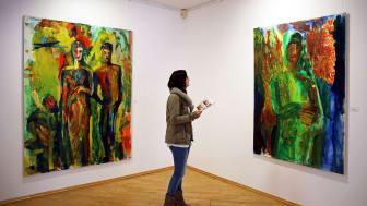 """Blick in die Ausstellung """"dicht dran"""" der Leipziger Künstlerin Britta Schulze im Galerie Hotel Leipziger Hof"""