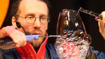 Se museets store Vitenshow med bobler, gass og smell!