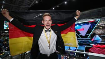 Alexander Brins ist der amtierende Weltmeister der Zimmerer. Foto: Anja Jungnickel