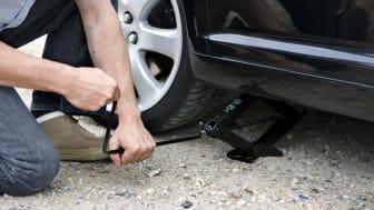 6 av 10 bilister sjekker mønsterdybden