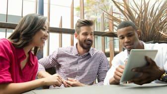Virksomheder skal blive bedre til at engagere unge på sociale medier
