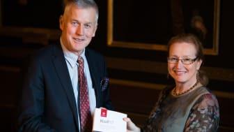 Tredje utvärderingen klar och överlämnad till rektor Eva Åkesson.
