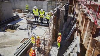 Den 5 maj genomfördes en symbolisk byggstart. En tidskapsel gjöts in i grunden av byggnaden.