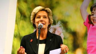 Maria Larsson invigningstalar på Friends international center against bullying