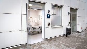 Infektionsavdelning, patientrum med egen entré utifrån, Södersjukhuset