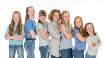 Annie (Sol Alme Brendefur), Duffy (Tuva Nyhammer-Taklo), Pepper (Åsa Liv Røgeberg), July (Elsa Bredesen), Tessie (Ane Fitje Woxen), Kate (Maja Kvalsvik Haugen) og Molly (Solvei Kayser Husbyn) utger hovudrollene blant barneheimsjentene