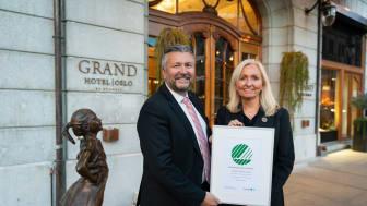 Administrerende direktør i Scandic Hotels Norge, Svein Arild Steen-Mevold og hotelldirektør på Grand Hotel Oslo by Scandic, Toril Flåskjer. Foto: Kyle Meyr.